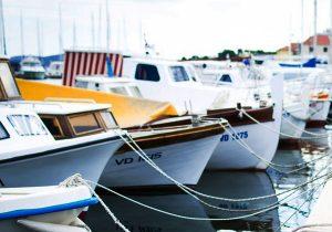 custom boat windshield